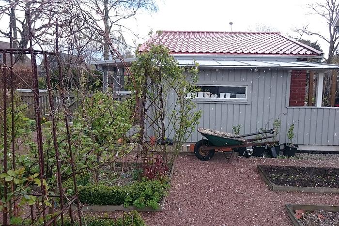 Köksträdgården hagel aprilväder